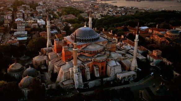 wallpaper-Hagia-sophia-is-a-unique-Turkey-Wallpapers